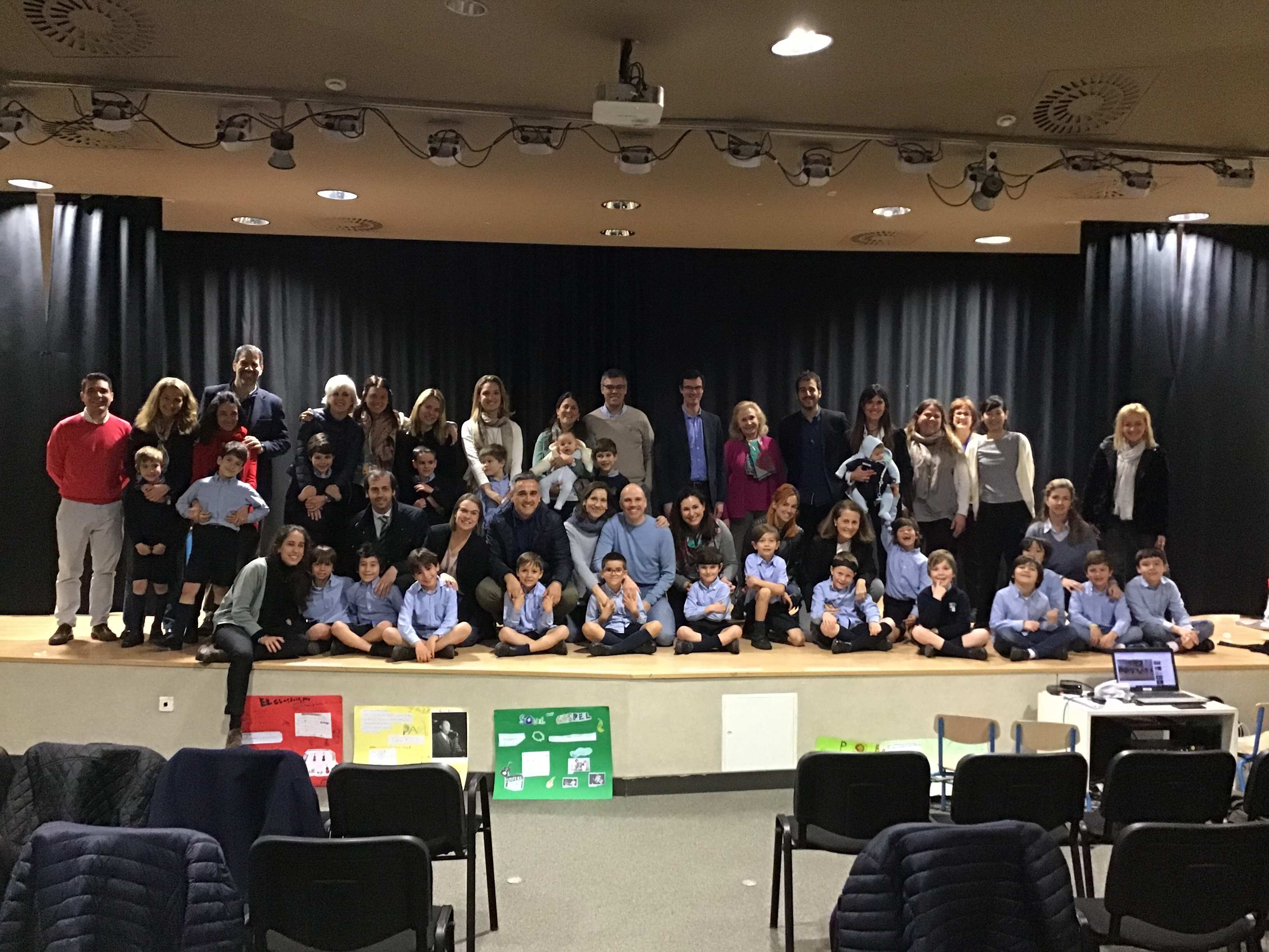 Public classes in 2nd grade Colegio Concertado Barcelona